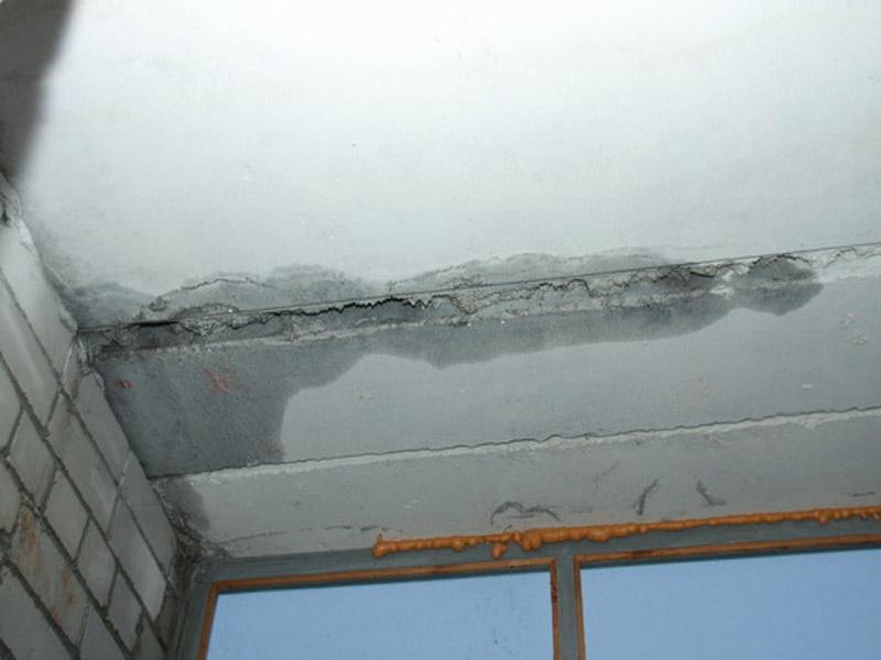 Причина протечки балкона