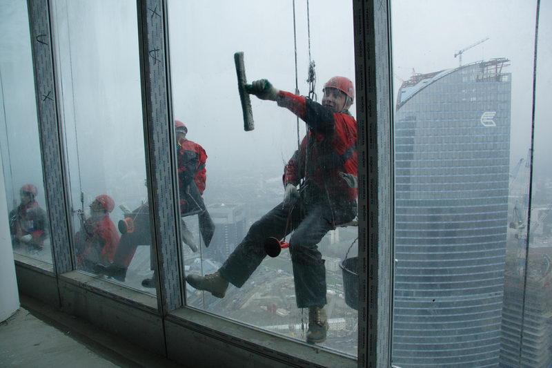 Что нужно подготовить, чтобы вымыть окна  небоскреба2